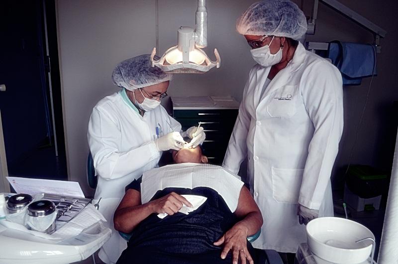 SINTCVAPA oferece consultório Odontológico em sua sede