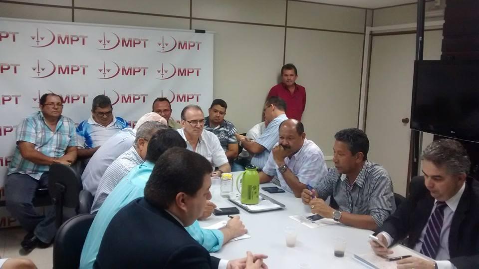 Sindicato participa de audiência de conciliação com Proprietários de Supermercados