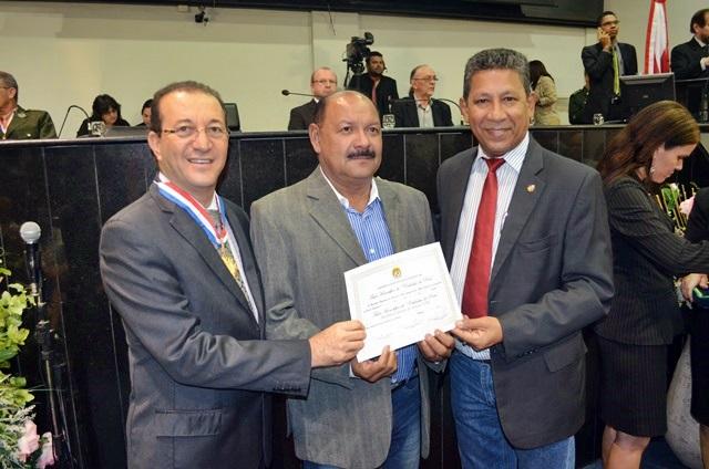Presidente do SINTCVAPA recebe Comenda da Câmara de Deputados do Estado do Pará